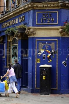 the gainsborough - one of the oldest pubs in derry
