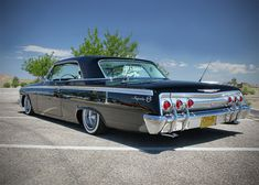 1962 Chevy Impala Weeks Other than the missing 2 doors, is this the right kind of car? 1962 Chevy Impala, 64 Impala, 1966 Chevelle, Tame Impala, Preto Wallpaper, Vintage Cars, Antique Cars, Hot Rods, Ferrari