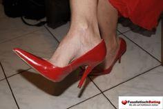 Geiles Fußfetisch Dating mit einer Frau die eine Vorliebe für geile Pumps und High Heels hat.