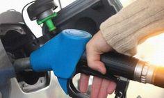 Quem tem um veículo, gasolina, álcool ou diesel, e precisa dele todos os dias para trabalhar sabe o quanto alguns centavos no preço do combustível pode fazer diferença no orçamento. E se você é daqueles que tem que encher o tanque mais de uma vez por semana, melhor nem comentar. Na tabela abaixo você tem o preço (gasolina, álcool e diesel) de alguns postos de Londrina.   http://almanaquelondrina.com.br/o-preco-da-gasolina-do-alcool-e-do-diesel-em-londrina/  #omelhordelondrina #londrina