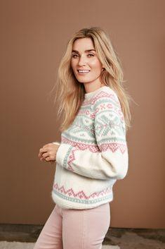 Side 7 – Camilla Pihl Strikk Knitwear, Knit Crochet, Knitting Patterns, Winter Fashion, Hoodies, Chic, Lady, Sweaters, Inspiration