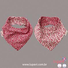 Babador Bandana Corações Rosa lindo, fofo e versátil, estampas coloridas com corações rosa em dupla face. #LupaviPatchwork #Artesanato #Customizado #Personalizado #Criativo #Patchwork #Babador #Bandana #BabadorBandana #DuplaFace #KitBabador #Promoção #Kit #Bebê #Infantil #Baby #Criança #Kids #Bib #Fofo #Cute #menina #girl #corações #heart #rosa #branco #pink #white #coração #hearts #babando #Lupavi Bandanas, Bandana Bib, Bibs, Crochet, Vintage, Bandana Print, Sewing For Kids, Colorful, Creativity