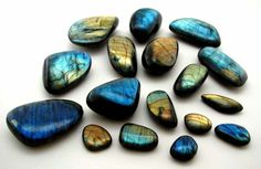 Labradorite - I love the flashy colors! They change every time you move the stone. Labradorite is considered to bring good luck. Minerals And Gemstones, Crystals Minerals, Rocks And Minerals, Stones And Crystals, Gem Stones, Labradorite, Sticks And Stones, Beautiful Rocks, Rocks And Gems