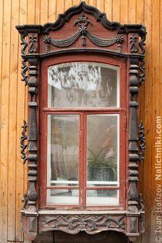 Томск, деревянный оконный наличник №21