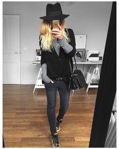 Belle soirée  chapeau #maisonmichel cardigan #eponymcreation (old) tee #iro (old) jean #aninebing sur @cyrielleforkure baskets #stansmith @adidasfr #ootd by meleponym