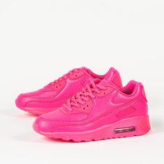 Μονόχρωμα αθλητικά παπούτσια για να ξεχωρίζεις. Θα τα βρεις σε προνομιακή τιμή μέσα από την πλούσια συλλογή γυναικείων παπουτσιών χειμώνας 2017 του shoes mega stores.