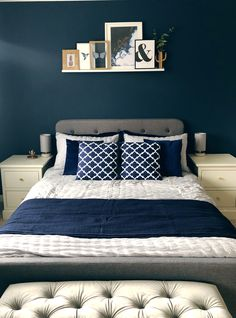 37 Inspiring Navy Blue Bedroom Decor Ideas You Should Copy Blue And Cream Bedroom, Navy Blue Rooms, Black And Grey Bedroom, Dark Blue Bedrooms, Blue Master Bedroom, Grey Bedroom Decor, Bedding Master Bedroom, Bedroom Colors, Bedroom Ideas