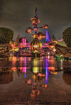 Tomorrow Land so pretty because you can see that it's rained and its just perfect!