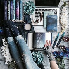 70 Ideas Gifts For Teens Amazing For 2019 I Love Books, Books To Read, My Books, Gifts For Readers, Gifts For Teens, Book Dedication, Beautiful Book Covers, World Of Books, Coffee And Books