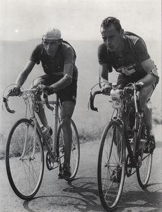 Tour de France 1951. 14^Tappa, 18 luglio. Tarbes > Luchon. Col du Peyresourde. Fausto Coppi (1919-1960) e Hugo Koblet (1925-1964)
