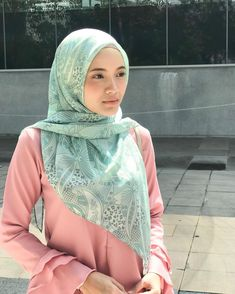 Beautiful Hijab Girl, Beautiful Women, Hijab Collection, Girl With Brown Hair, Girl Hijab, Muslim Girls, Niqab, Womens Fashion, Cute