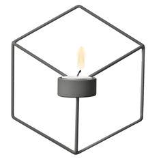 Pov vegglysestake fra Menu, designet av Note Design Studio. En lett, smart og leken lysestake i pulv...