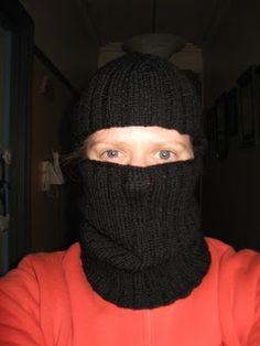 Just a quickie whipped up for my brother-in-law to keep him warm at work. When I tried to find a basic balaclava pattern on the web I was so...