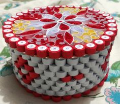 041 Box 08 Easy Crafts For Kids, Creative Crafts, Crafts To Make, Diy Crafts Hacks, Diy Arts And Crafts, Bottle Cap Candles, Plastic Container Crafts, Plastic Bottle Tops, Bottle Top Crafts