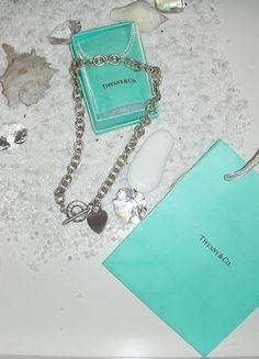 Kaufe meinen Artikel bei #Kleiderkreisel http://www.kleiderkreisel.de/accessoires/ketten-and-anhanger/124292150-tiffany-co-halskette-mit-herz-und-knebelverschluss-silber