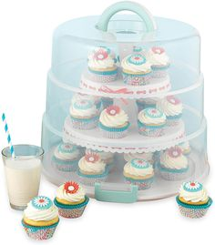 The bakery boxes play a very important role in taking care of items like doughnuts, cakes, pastries, pies and etc. These boxes are available in many different sizes. Pie Carrier, 3 Layer Cakes, Bakery Box, Party Platters, Doughnuts, Cookies, Cream, Sweet, Desserts