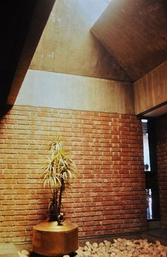 Built at the height of the Indian socialist movement, Ramkrishna House in Ahmedabad cements Charles Correa's position as India's foremost architect Indian Architecture, Modern Architecture, Concrete Bricks, Ahmedabad, Small Gardens, Home Interior Design, Natural Light, Creative Design, My House
