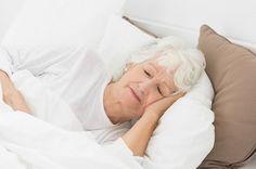 Alzheimer.El insomnio es algo muy común en la enfermedad de #Alzheimer. Si el paciente tiene problemas para dormir en la noche, propicie el ejercicio diario. Es importante evaluar cualquier problema físico o emocional que pueda estar contribuyendo a los problemas de sueño, como el dolor o la depresión.