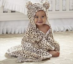 Nursery Snow Leopard Bath Wrap @Reilly Grace Grace Richardson MAKE THIS HAPPEN! hahahah