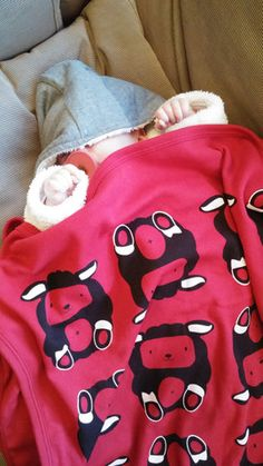 Baby Blanket Sheep Patterned, red, black and white Red Black, Black And White, Sheep, New Baby Products, Product Launch, Baby Shower, Blanket, Sweatshirts, Pattern