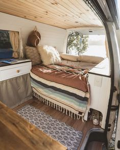 Van Life Bedroom Interior Ideas 80 Trend You Need To Know Vanlife Interiors Rv Camping It Work Rv Interior, Campervan Interior, Interior Design, T4 Camper Interior Ideas, Volkswagen Bus Interior, Interior Cladding, Camper Life, Camper Van, Happier Camper