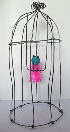 The Caged Bird Swings: Doodle a bird cage not with a pencil, but with wire. You will love this whimsical object. #DIY #crafts