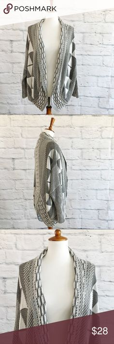 Paper Crane Open Cardigan Open knit cardigan from Paper Crane. Good condition. Paper Crane Sweaters Cardigans