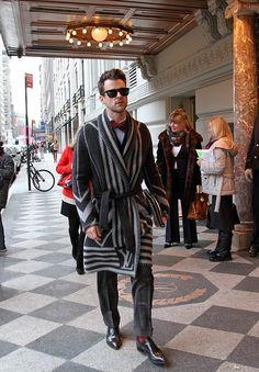 Work that blanket coat, Brad Goreski!