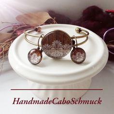 Cabochon Schmuckset Armreif/Armband 25mm und Ohrhänger 12mm Bronze Blumen weiß Holzoptik