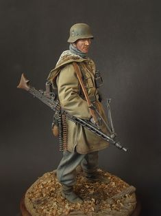 Waffen-SS machine gunner by Konstantin Kapitonov · Putty&Paint Military Diorama, Military Art, Military Uniforms, Military Action Figures, Military Modelling, Miniature Figurines, Camouflage, German Army, Germany