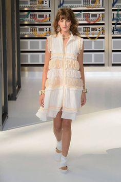 Défilé Chanel Printemps 2017, Prêt À Porter, Defile Chanel, Haute Couture,  Mode 0bcd1953d98