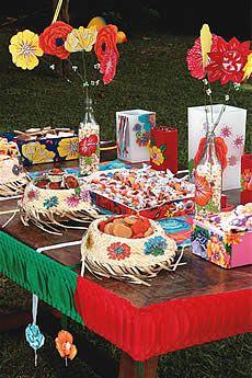 Festa Junina - Caixinha de chita, chapéu de palha para doce de abóbora e pipoca na garrafa/vaso.