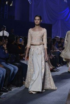 Manish Malhotra's new collection Lace Skirt, Sequin Skirt, Manish Malhotra, Indian Designer Outfits, Sequins, Skirts, Collection, Fashion, Moda