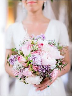 lilac pink bouquet | Image by Ian Holmes Photography