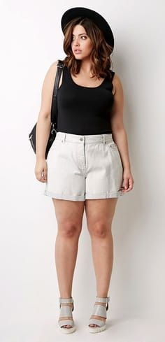 a0add29f95 Shorts for Curvy Girls – The Best Lengths and Styles for Your Body ...