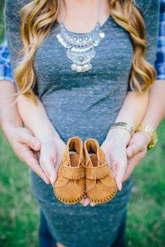 Maternity shoot, pregnancy, woodland theme, maternity photos