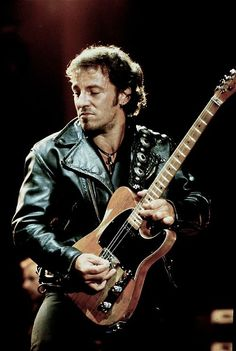 bruce springsteen ... Follow – > http://www.songssmiths.wordpress.com  Like -> http://www.facebook.com/songssmithssongssmiths