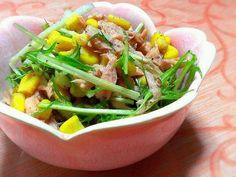 natsuro さん、エジプト塩でまたまた作っちゃいました~( ̄∇ ̄*)ゞ 今回は、エジプト塩が最も活きるサラダにしました。 水菜とツナ、コーンのみです…ぶちシンプル、しか~し、旨し! 春らしい器があったので、いい感じに仕上がりました(*´ω`*) - 105件のもぐもぐ - エジプト塩de水菜とツナコーンサラダ☆special thanks to natsuro ☆ by tokkun