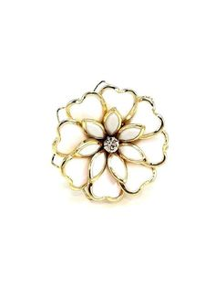 White and Gold Flower Ring - $12.00 : FashionCupcake, Designer Clothing, Accessories, and Gifts