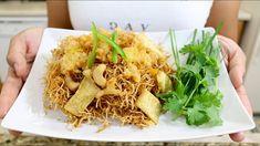 Thai Sweet and Sour Crispy Noodles Mee Krob หมี่กรอบ - Episode 182 Thai Glass Noodle Salad, Stir Fry Glass Noodles, Vietnamese Noodle Salad, Noodle Recipes, Rice Recipes, Asian Recipes, Ethnic Recipes, Crispy Noodles, Rice Noodles