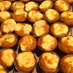 Pumpkin cheesecake muffins! Pumpkin Cheesecake Muffins, Sweet Stuff, Breakfast Recipes, Food, Recipes For Breakfast, Meal, Essen