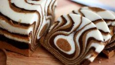 Our Gourmet Recipes: Zebra Cake Recipe Fudge Recipes, Gourmet Recipes, Sweet Recipes, Cake Recipes, Dessert Recipes, Food Cakes, Cupcake Cakes, Baby Cakes, Mini Cakes
