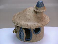 Hobbithaus aus Keramik, als Deko für den Garten