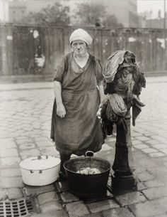 August Sander Washerwoman, 1930.