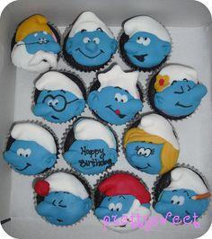 cupcakes--- Lacey is obsessed with Smurfs! Cupcake Frosting, Cake Icing, Cupcake Cookies, Eat Cake, Cupcake Heaven, Incredible Edibles, Yummy Cupcakes, Different Cakes, Yummy Drinks
