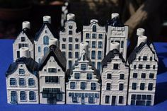 11 KLM (BOLS) Blue Delft's miniature houses -- empty --