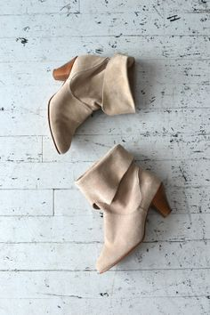 Citywalk boots / vintage ankle boots / suede short by DearGolden
