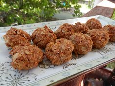 healthy anzac biscuits  Ingredients :  1 cup almond meal ( whizz almonds in the thermomix to make your own)  1 cup rolled oats   1 cup coconut shredded   1/2 cup rapadura sugar  1t cinnamon   1/4 cup coconut oil  2T apple juice concentrate   1/2t bicarb soda  1T water