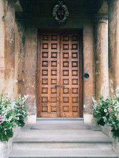 There is a whole world of magic waiting for you on the other side of this door...  #Oomska #Weddingfair #Unusualweddingvenue #Wedspiration #Gloucestershire