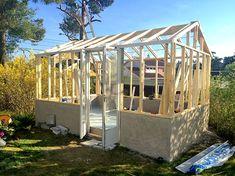 Växthus av gamla fönster Greenhouses, Inspiration, Outdoors, Home Decor, Gardening, Conservatory, Garden Tool Storage, Green Houses, Biblical Inspiration